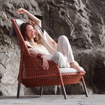 Tuinmeubelen, buitenmeubelen en parasols. Alleen luxe merken, exclusief design. Dedon